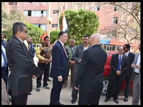 رئيس جامعة بنها يواصل جولاته الصباحية بتفقد المدن الجامعية ببنها«بنين وبنات»
