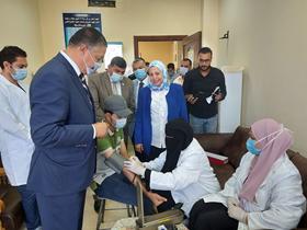 رئيس جامعة بنها يتفقد استعدادات العام الدراسي وإجراءات الكشف الطبي في الكليات