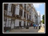 القاضي يتفقد أعمال ترميم مبني إدارة الجامعه
