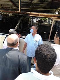 رئيس جامعة بنها يتفقد موقع حريق كافتيريا كلية التربية