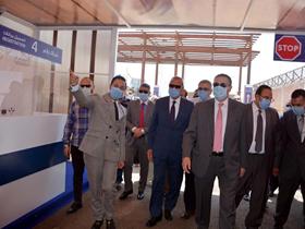 محافظ القليوبية ورئيس جامعة بنها يفتتحان خدمة «درايف ثرو» لإجراء مسحات كورونا