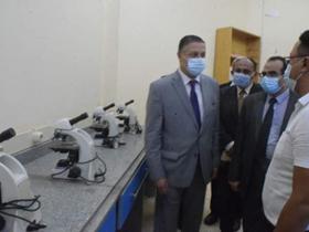 رئيس جامعة بنها يتفقد الدراسة بكلية الطب البيطري والزراعة بمشتهر