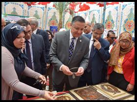 معرض لمنتجات جامعة بنها بمناسبة قرب شهر رمضان الكريم