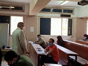 في جولات موسعة: «المغربي» يتفقد امتحانات السنوات النهائية بكليات التجارة والعلوم