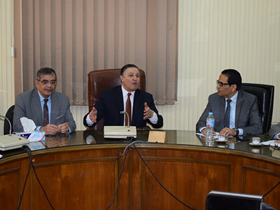 جامعة بنها توقع عقد مع جهاز مشروعات الخدمة الوطنية لانشاء 10 غرف عمليات بمستشفيات بنها الجامعية
