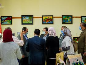 لدعم المشروعات الصغيرة: افتتاح معرض توظيف المنتجات النسيجية الابتكارية بنوعية بنها