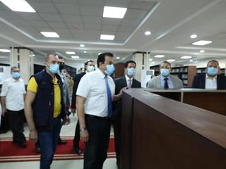 وزير التعليم العالي يتفقد مركز الاختبارات الإلكترونية والمكتبة المركزية بجامعة بنها