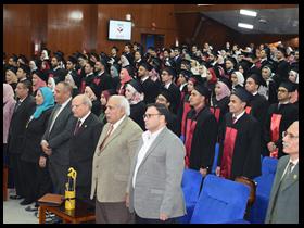 نائب رئيس جامعة بنها يشهد حفل خريجي كلية الطب