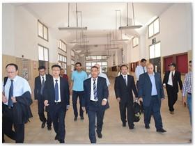 وفد جامعة ووهان للتكنولوجيا بالصين يتفقد كليات جامعة بنها ويشيد بمنشآت العبور الجديدة
